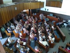 Susters in kerk